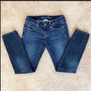 American Eagle Dark Wash Skinny Jeans Size 4 Short